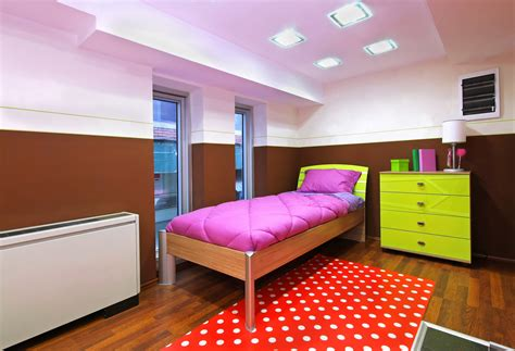 How To Arrange Furniture In A Small Bedroom by Optimize Your Small Bedroom Design Hgtv How To Arrange