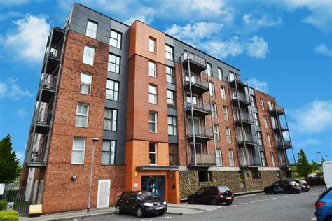appartments in manchester 2 bedroom apartment for sale stillwater drive manchester