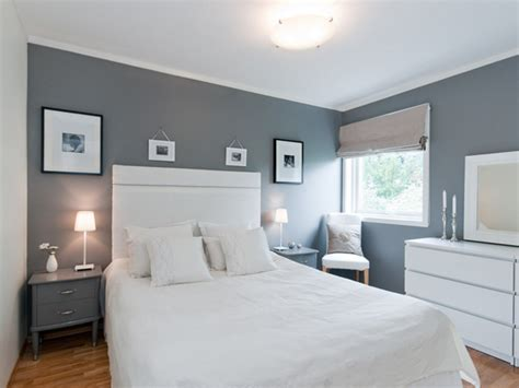 dc8451535 4 0 gray wall color white frames on grey wall bedroom ideas walls spare bedroom ideas and bedrooms