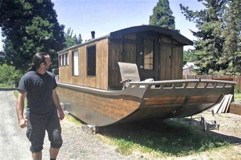 tiny house boats shantyboat tiny house tiny house pins