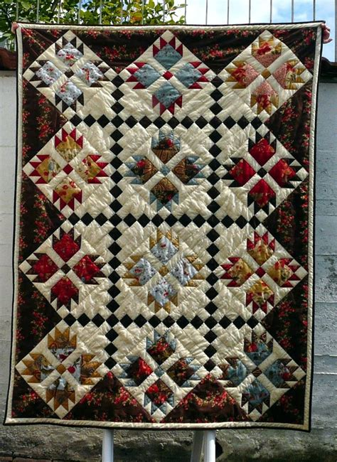 Paw Quilt by 25 B 228 Sta Paw Quilt Id 233 Erna P 229