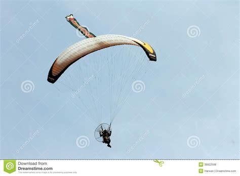 Cctv Nganjuk parachuting performances national army