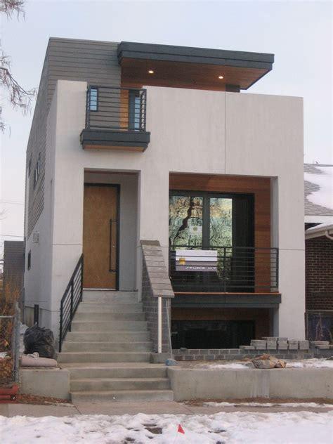 small modern house design  white walol  large