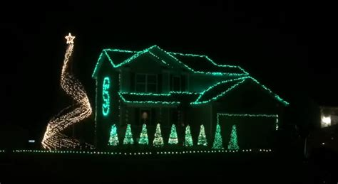 video michigan state fan sets christmas light display to