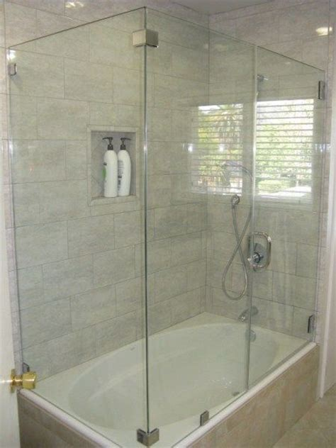 bathtub with shower doors best 25 bathtub enclosures ideas on pinterest glass