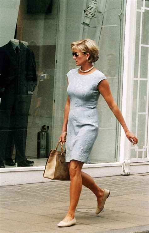princess diana s shopping look makes us rethink the