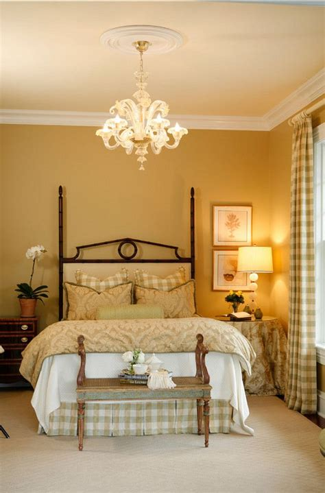 gold paint bedroom ideas 25 best ideas about gold painted walls on pinterest