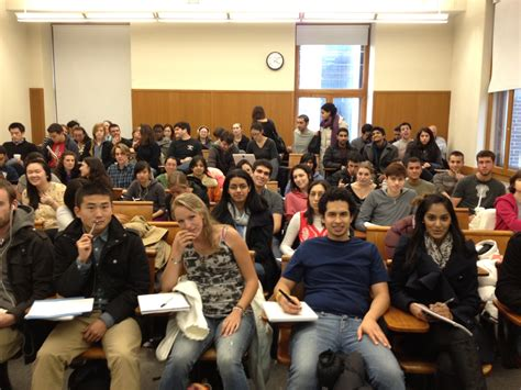 Overcrowding In Schools Essay by Overcrowded Classroom Problems Lotsofessayscom