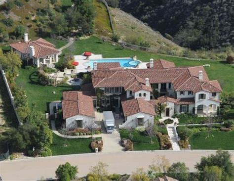 Justin Bieber House by Justin Bieber S New Home Becoming A Magnet For Fans