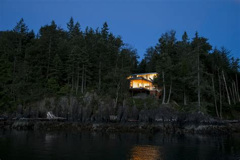the island house gallery of the gambier island house mcfarlane green biggar architecture design 6