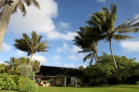 barack obamas hawaiian beachfront vacation getaway