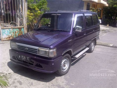 Tv Mobil Jawa Timur jual mobil toyota kijang 1990 1 5 di jawa timur manual