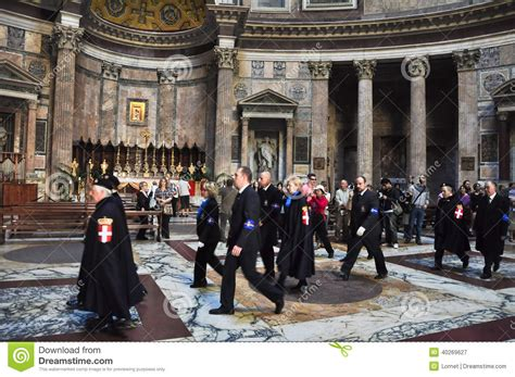 house of savoy rome november 6 members the house of savoy in roman pantheon on november 6 2010 in