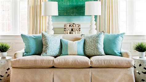 How To Decorate With Throw Pillows by How To Arrange Sofa Pillows Southern Living