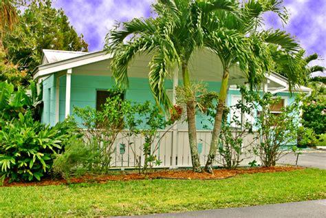 River Palm Cottages Fish C by River Palm Cottages Fish C Fl