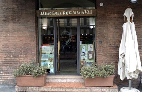libreria giannino stoppani giannino stoppani la libreria per ragazzi di bologna