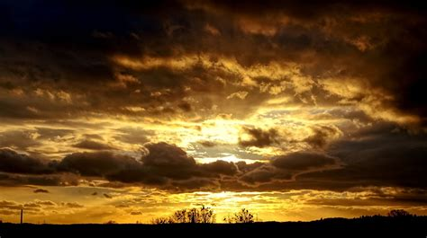 gold in the sky gold sky evening skies v by thedrawnden93 on deviantart