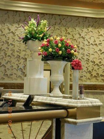 mgm grand las vegas front desk front desk flowers this was on mother s day picture of