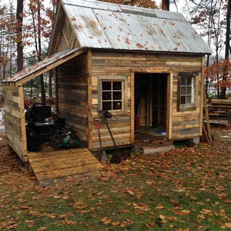 build  firewood shed   pallets elio home
