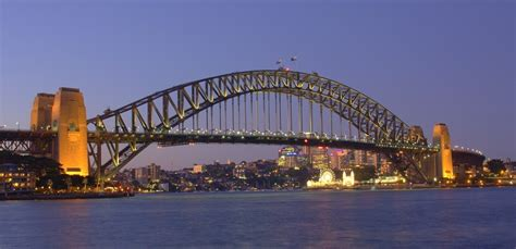 top  sydney tourist attractions  budget travelers