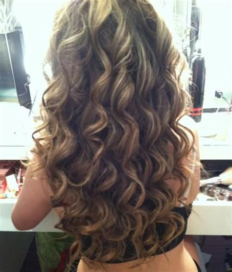 hairstyles blonde tips brown blonde smokey curls hairstyles and beauty tips