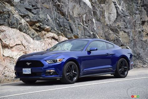 mustang fastback 2015 2015 ford mustang ecoboost fastback pictures auto123