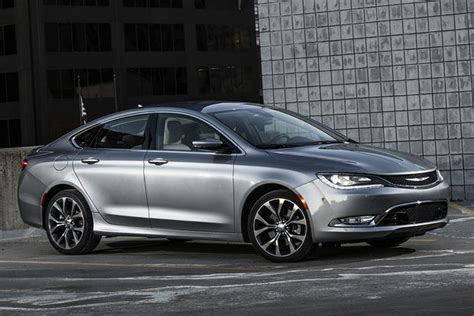 chrysler toyota compare 2015 camry to 2015 chrysler 200 autos post