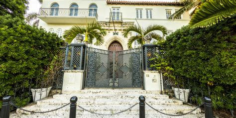 Versace Mansion 20 Amazing Facts About Gianni Versace S Gianni Versace House South