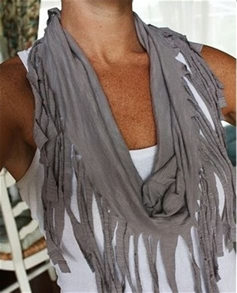 diy make a fringe scarf from a shirt