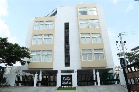 Service Appartment by Outside View Picture Of Skyla Serviced Apartments