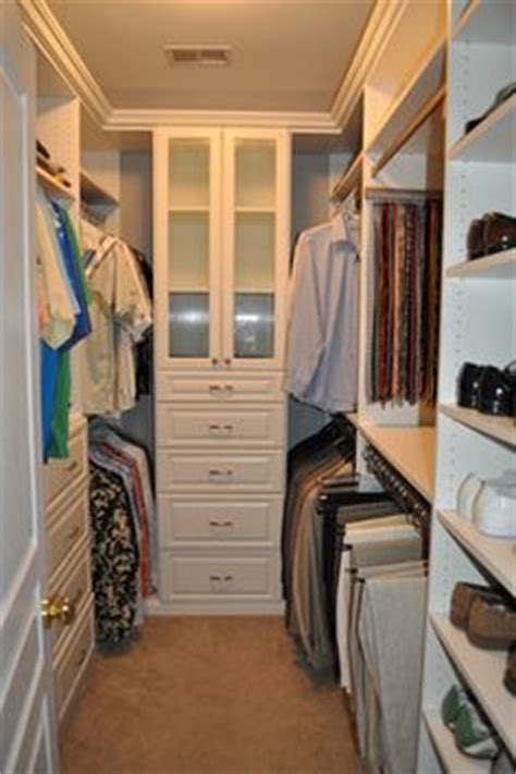 Walk In Wardrobe In Small Space by 1000 Ideas About Small Master Closet On