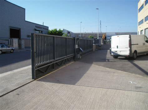 puertas garajes automaticas puertas autom 225 ticas de garaje correderas blog eninte
