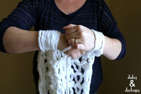 arm knitting cast on arm knit table runner dukes and duchesses