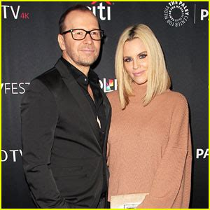 did amy carlson get plastic surgery jenny mccarthy jokes about plastic surgery on new year s