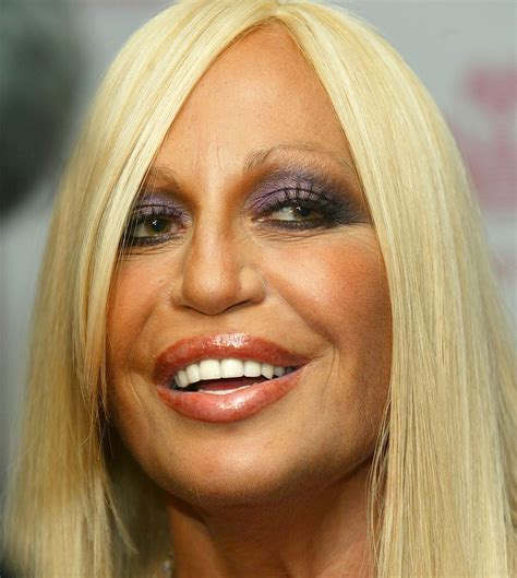 How To Smell Like Donatella Versace by See Donatella Versace S Shocking Transformation Right