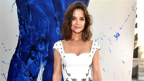 Katie Holmes Puts Hourglass Figure on Display in Gorgeous
