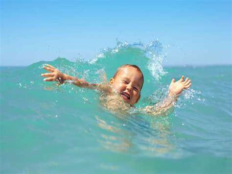 imagenes niños nadando 161 cuidado con el ahogamiento secundario en los ni 241 os ni 241 os