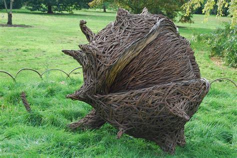 Accessories Exquisite Deer Willow Shaped Sculpture For Garden Sculpture Ideas