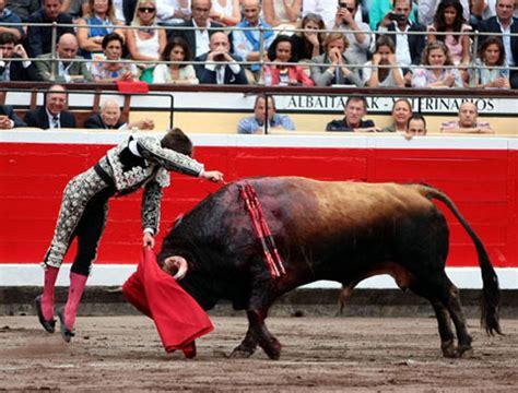 pabellon vista alegre madrid toro al infinito bilbao ponce y juli defienden su
