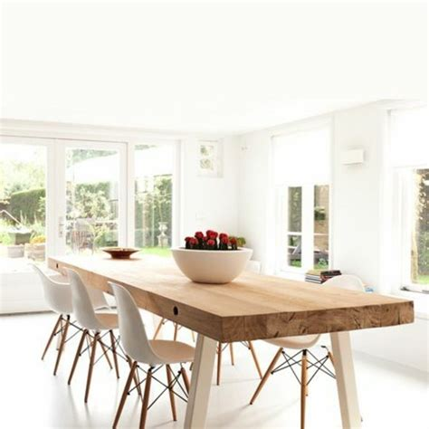 Attrayant Table Salle A Manger Carree Design #2: 3-table-design-salle-%C3%A0-manger-table-design-en-bois-clair-chaises-beiges.jpg