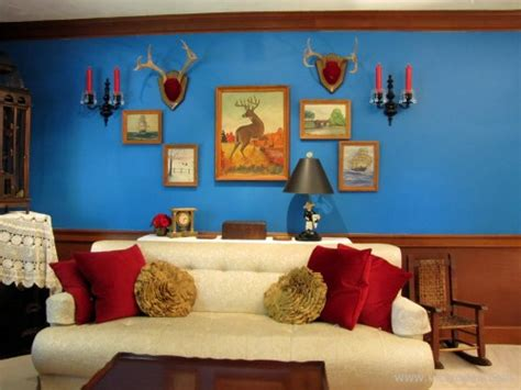 a bold new paint color for the living room walls