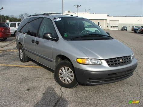 bright silver metallic 2000 chrysler grand voyager standard grand voyager model exterior photo