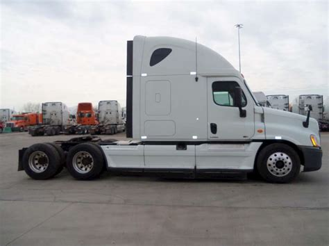 Freightliner With Sleeper by 2012 Freightliner Cascadia 113 Sleeper Semi Truck For Sale