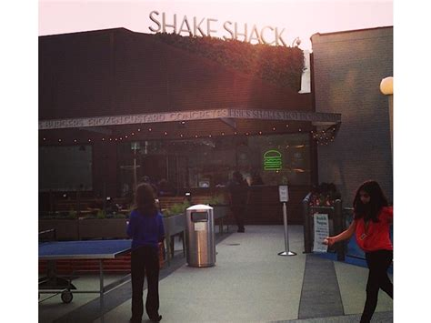 Door Pentagon City by Shake Shack Coming To Pentagon City Mall Report Patch
