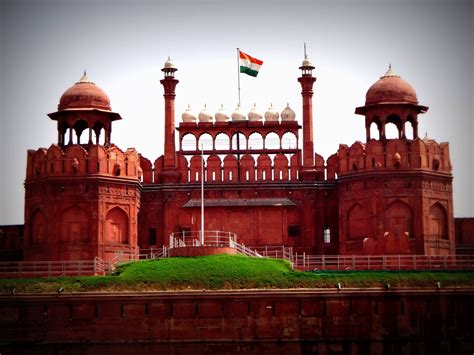 mughals myth and murder 500 years of indian jewelry monument built during mughal era check out monument built