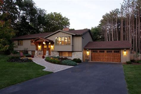 split level ranch house split level home with large driveway the split level home style wearefound home design