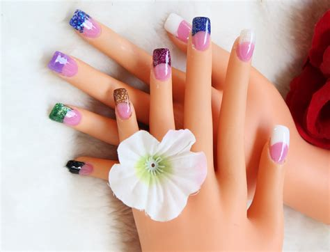 Artificial Nail pink glitter including gel artificial nail