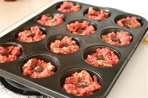 mini meatloaf in muffin pan mini meatloaves in a muffin tin make and takes