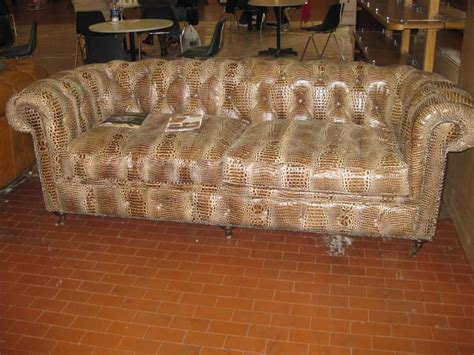 divani vecchi divani chester vecchi e nuovi chester nuovo in finto pitone