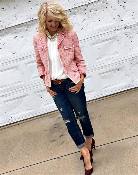 40 year female style pretty in pink style bloggers over 40